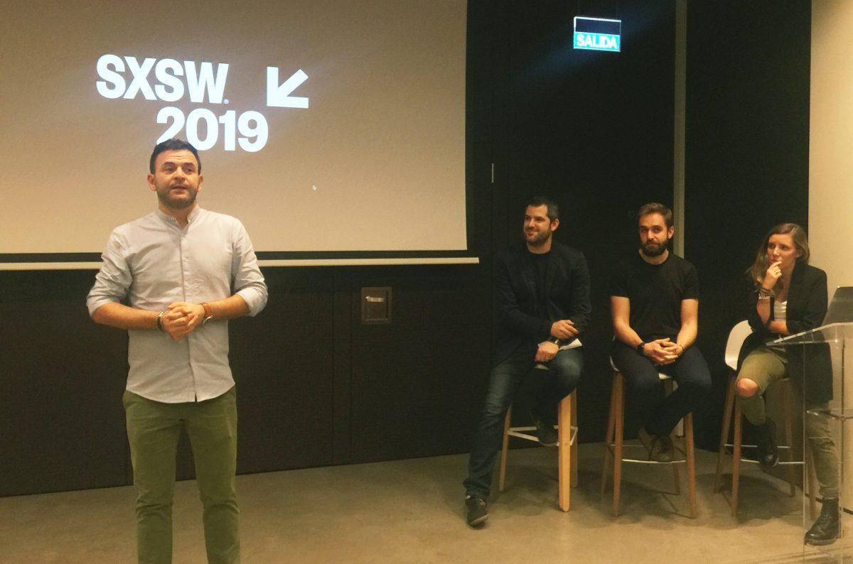 """Ester Sanahuja y David Pueyo en el evento """"El SXSW visto por los planners"""" de la APG"""